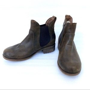 UGG Bonham Chelsea Ankle Boots Distressed Leather